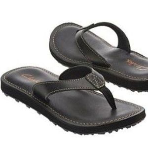 34fa17e07a8 Clarks Shoes - Women Clarks Black Flip Flops Size 7 Sandals